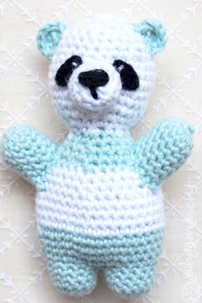 Weltmeister mit den Häkelhelden - Panda blassgrün - abgemascht