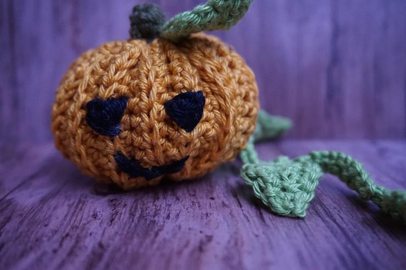 Häkelblog - Halloween Kürbis häkeln - Häkelkürbis - crochet pumkin